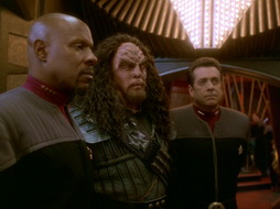 Star Trek Gallery - leave_behind_494.jpg