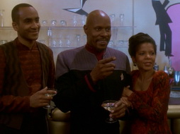 Star Trek Gallery - leave_behind_517.jpg