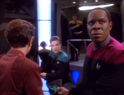 Star Trek Gallery - qless105.jpg