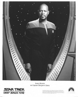 Star Trek Gallery - sisko_046.jpg