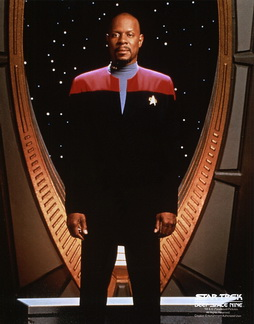 Star Trek Gallery - sisko_s4pb_perfect.jpg