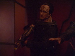 Star Trek Gallery - strangebefellows_176.jpg