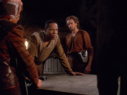 Star Trek Gallery - through052.jpg