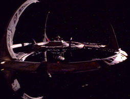Star Trek Gallery - qless218.jpg
