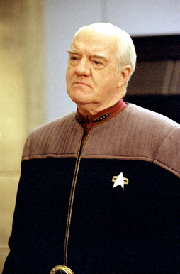 Star Trek Gallery - admiral_owen_paris.jpg