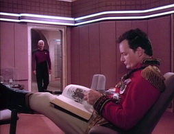 Star Trek Gallery - hideq072.jpg