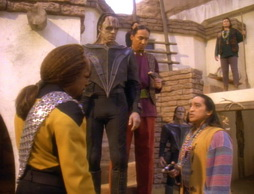 Star Trek Gallery - journeysend257.jpg