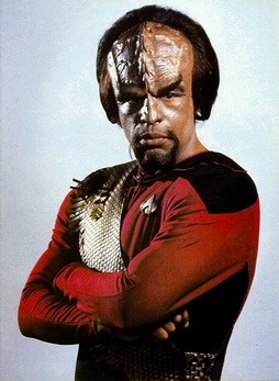 Star Trek Gallery - worf_s1_b.jpg