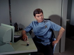 Star Trek Gallery - StarTrek_still_1x22_SpaceSeed_0897.jpg