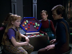 Star Trek Gallery - Childs_Play_174.jpg