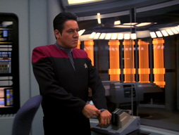 Star Trek Gallery - Renaissance_Man_147.jpg