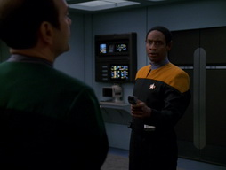 Star Trek Gallery - Renaissance_Man_240.jpg