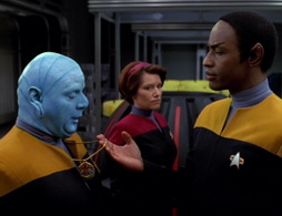 Star Trek Gallery - Star-Trek-Voyager-Season-1-Episode-16.jpg