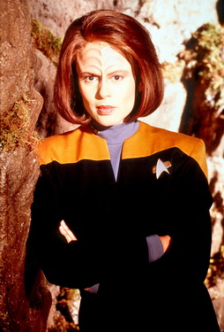 Star Trek Gallery - belanna_s5_hq.jpg