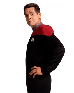 Star Trek Gallery - chakotay_white_pb2.jpg