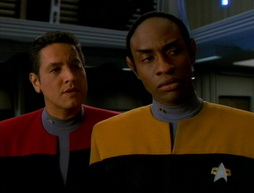 Star Trek Gallery - flashback065.jpg