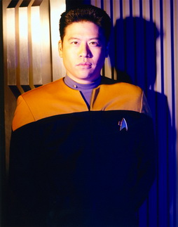 Star Trek Gallery - kim_s5hq_pbvariant.jpg