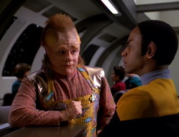 Star Trek Gallery - learningcurve_390.jpg