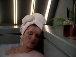 Star Trek Gallery - q2_131.jpg