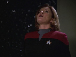Star Trek Gallery - q2_241.jpg
