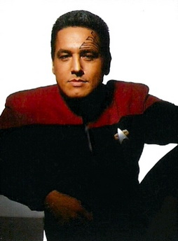 Star Trek Gallery - unused_chakotay_pb.jpg